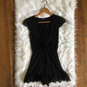 [Topshop] Surplice Black Lace Trim Romper